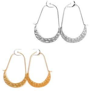 🍒3/$30 New Hammered Crescent Hoops